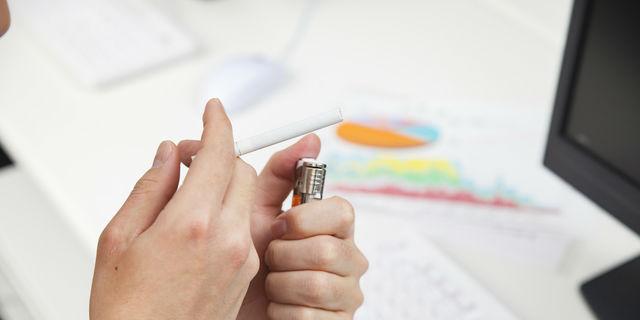 喫煙習慣が薄毛を招いてしまう? ニコチンが与える頭皮へのダメージ