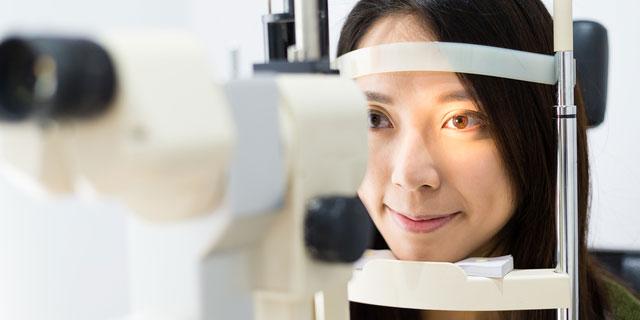 カラコンによる目のトラブルに要注意!ハロウィーンの仮装で失明のリスクも
